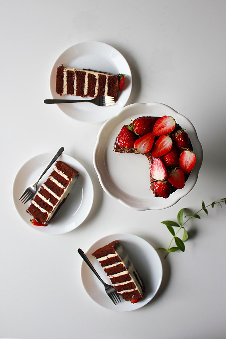 chocolate cake with mascarpone buttercream